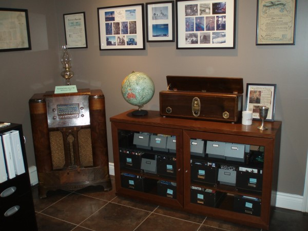 Collectors corner. The Stromberg Carlson Model 75M in the left corner was manufactured in 1940, the same year I was born.